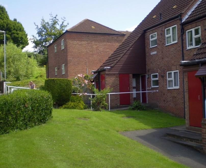 McKinlay Court, Standens Barn