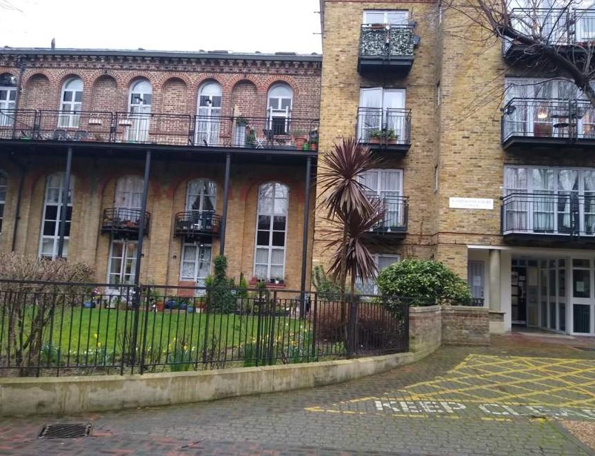 Waddon Lodge, Liverpool Road
